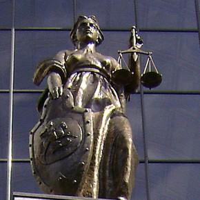 Поздравляем сотрудников юридической службы «Стримера» с Днем Юриста!